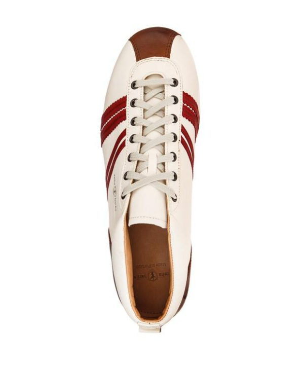 Product image of the top of Zeha Berlin's Carl Häßner Liga in Off white and red