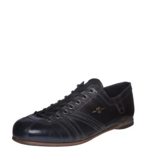 Product image from the front side of Zeha Berlin's Carl Häßner Liga in all black