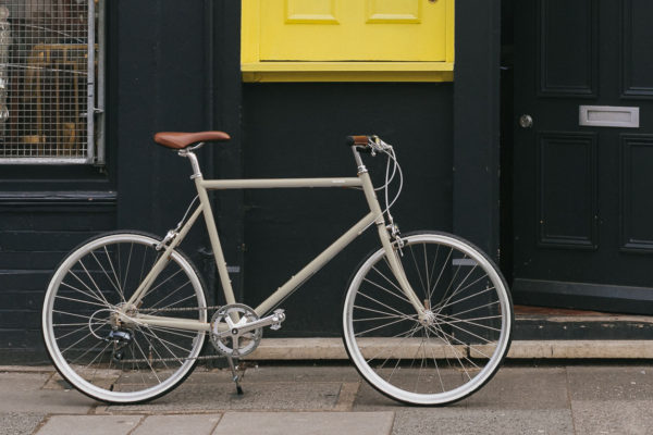 Tokyobike Classic Sport in Ivory with a black wall background